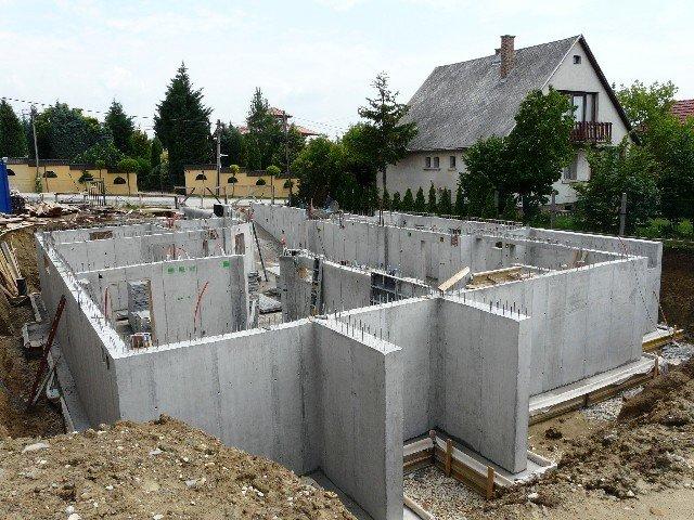 vasbeton családi ház forrás: babel91-vasbeton